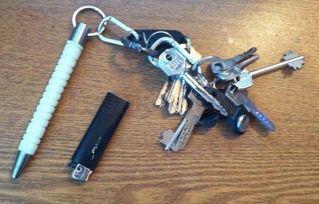 брелок на ключах для самообороны
